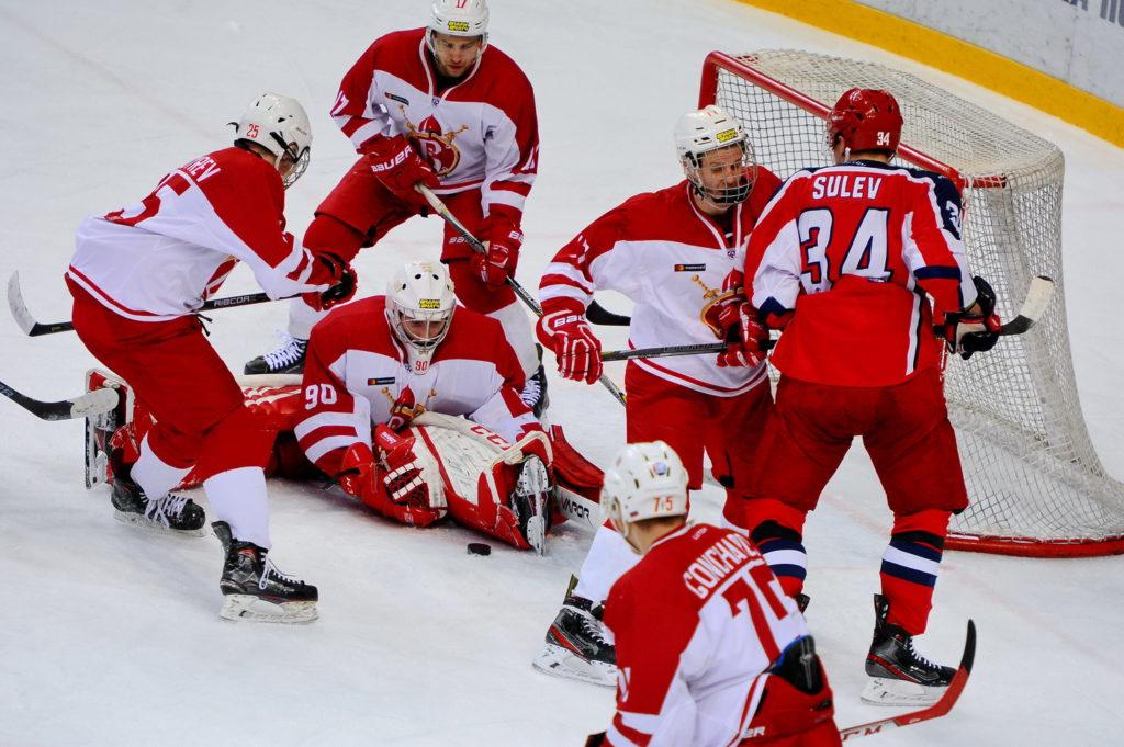 «Русские Витязи» не устояли против «Красной Армии»