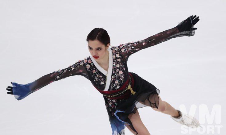 Маленькие девочки в большой игре, но Медведева, всё равно, красотка. И русские победы в Москве