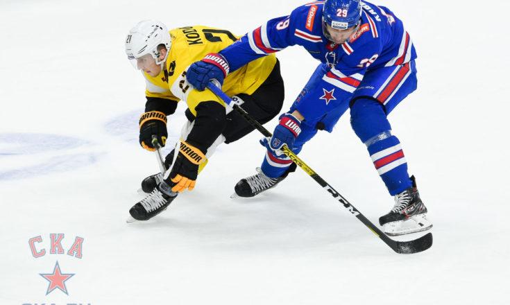 СКА одерживает 12-ю победу подряд, уступая «Северстали» 0:3, первый гол Андрея Маркова в сезоне, хет-трик Максима Мамина. Обзор дня в КХЛ.