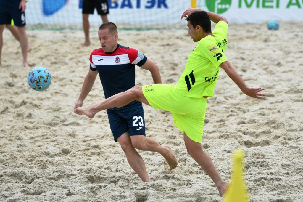 Пляжный футбол на радость всем!