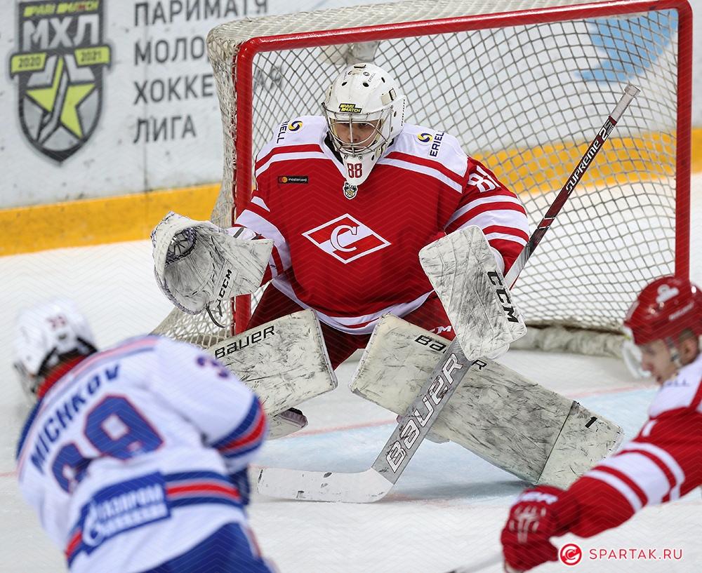 МХК «Спартак» выигрывает за 10 минут